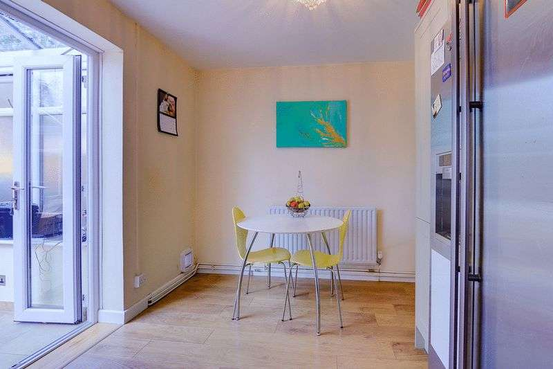 3 bed house for sale in Gale Crescent 5