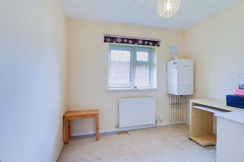 3 bed house for sale in Gale Crescent 10