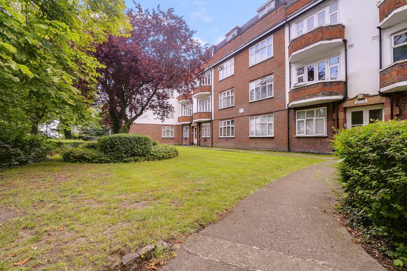 2 bed flat for sale in Carshalton Road 1