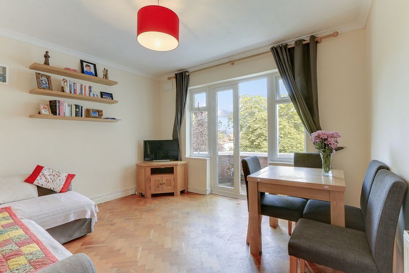 2 bed flat for sale in Carshalton Road 2