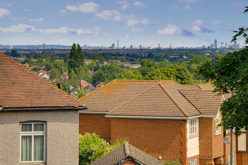 2 bed flat for sale in Carshalton Road 12