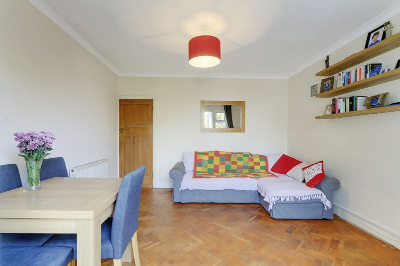 2 bed flat for sale in Carshalton Road 5