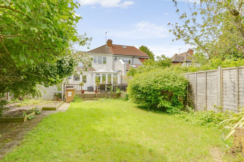 4 bed house for sale in Greenhayes Avenue 18