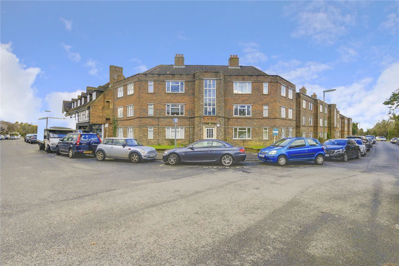 2 bed flat for sale in Eastgate, SM7