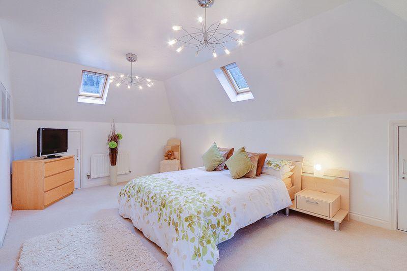 3 bed flat for sale in Babylon Lane 4