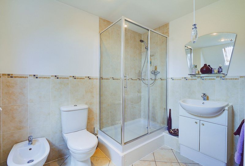 3 bed flat for sale in Babylon Lane  - Property Image 9