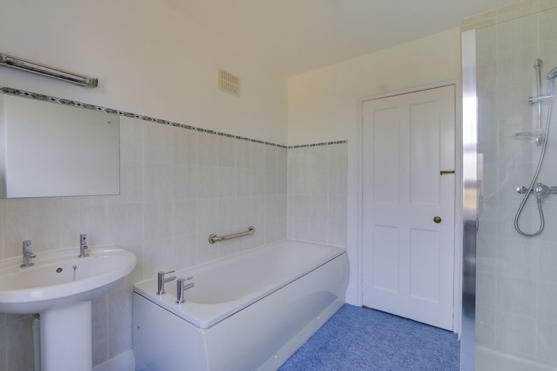 2 bed house to rent in Oakdale Road  - Property Image 12