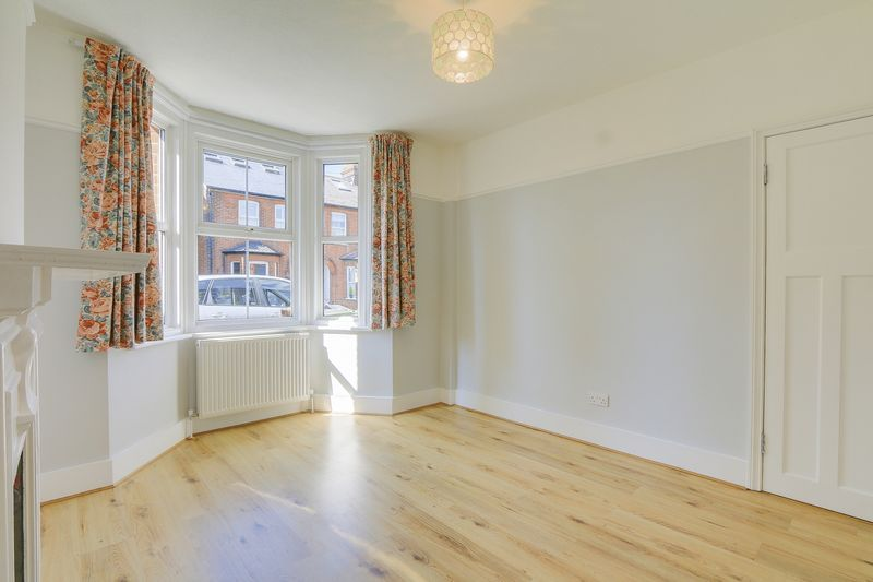 2 bed house to rent in Oakdale Road 3