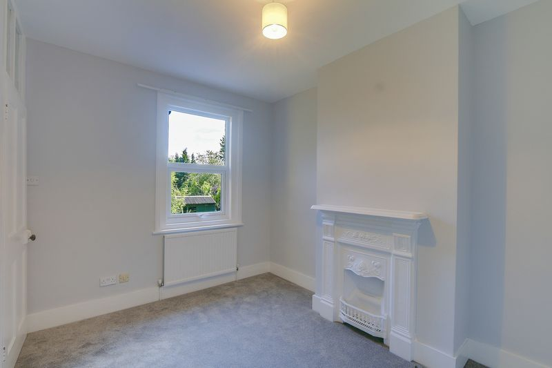 2 bed house to rent in Oakdale Road 10