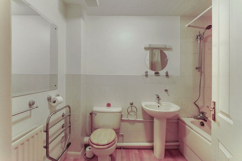 2 bed flat for sale in Hazel Way  - Property Image 7