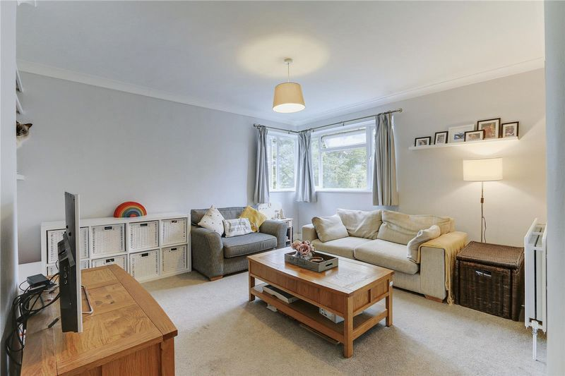 2 bed flat for sale in Benhill Wood Road, SM1