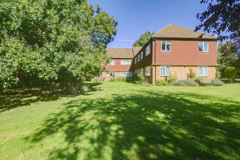 3 bed flat to rent in Axwood  - Property Image 15