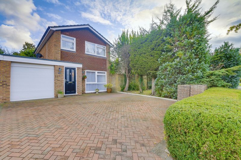 3 bed house for sale in High Beeches  - Property Image 1