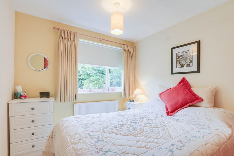 3 bed house for sale in High Beeches 11