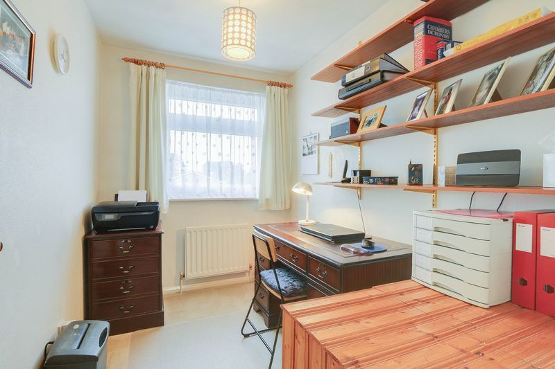 3 bed house for sale in High Beeches 12