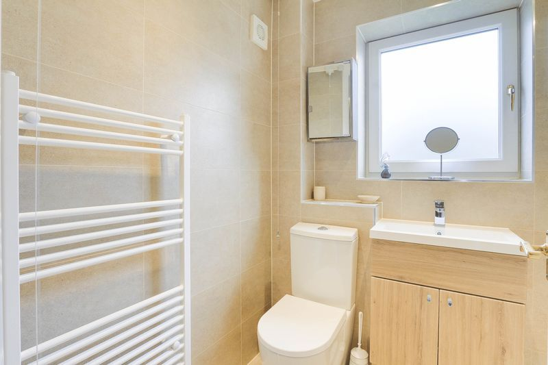 3 bed house for sale in High Beeches 13