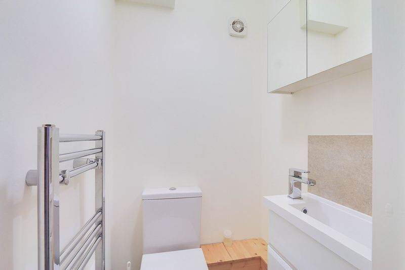 3 bed house for sale in High Beeches 16