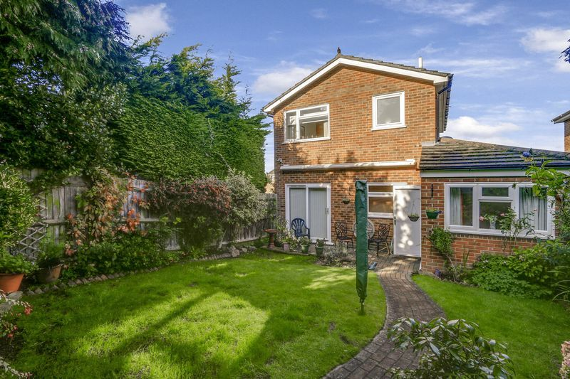 3 bed house for sale in High Beeches 19