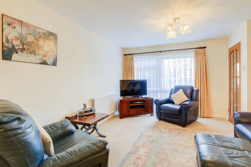 3 bed house for sale in High Beeches 4