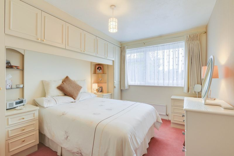 3 bed house for sale in High Beeches 9