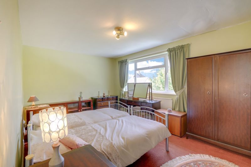5 bed house for sale in Nork Gardens 11