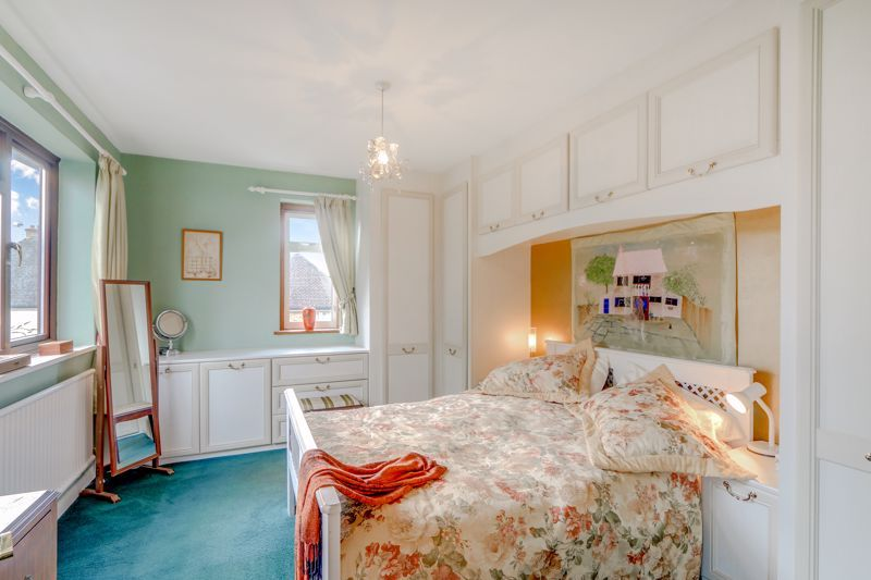 5 bed house for sale in Nork Gardens  - Property Image 12