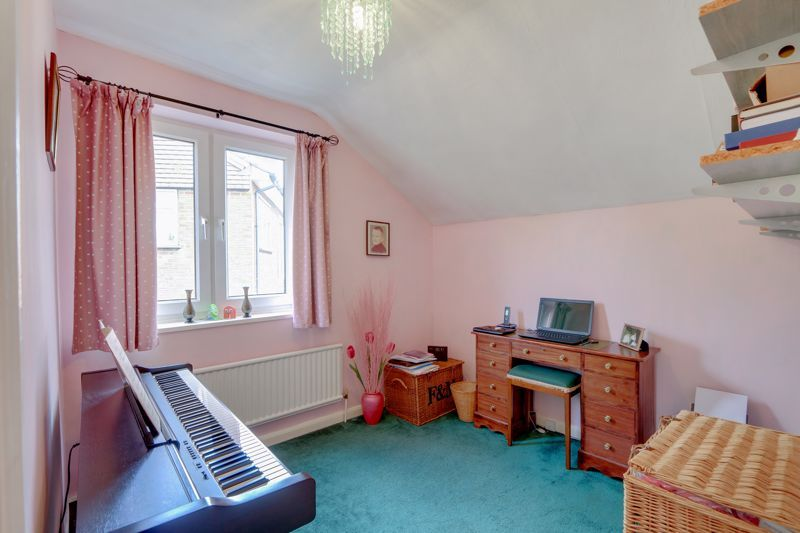 5 bed house for sale in Nork Gardens  - Property Image 13