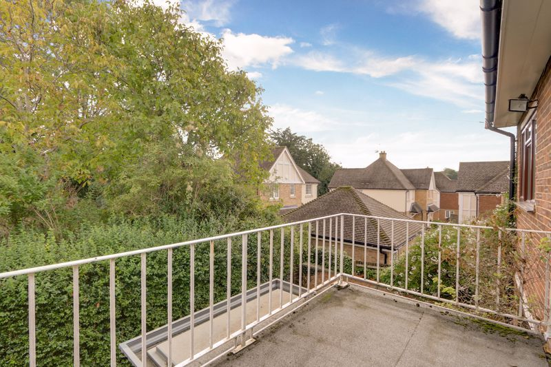 5 bed house for sale in Nork Gardens 17