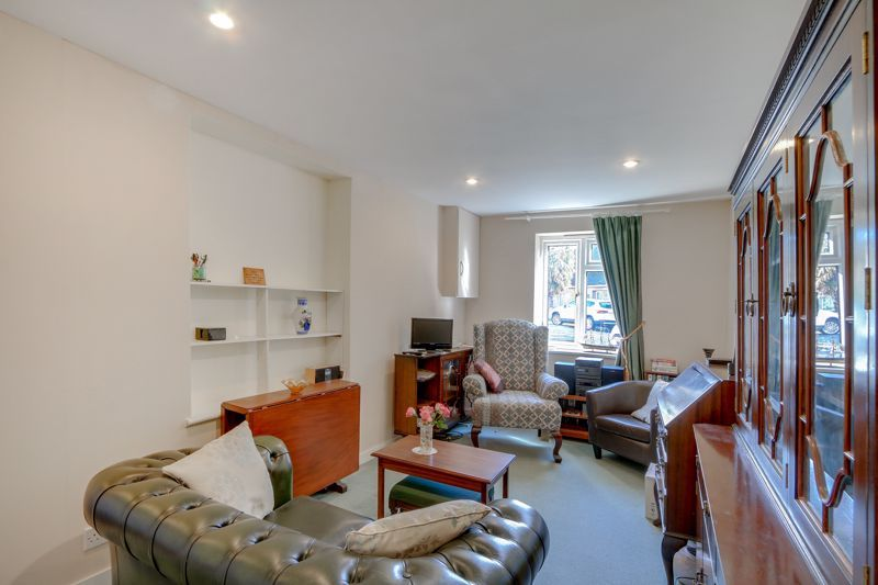 5 bed house for sale in Nork Gardens 18