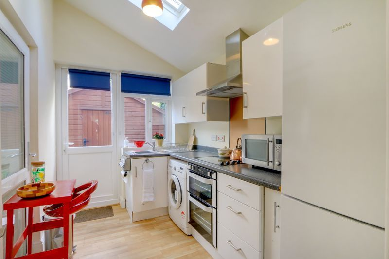 5 bed house for sale in Nork Gardens 19