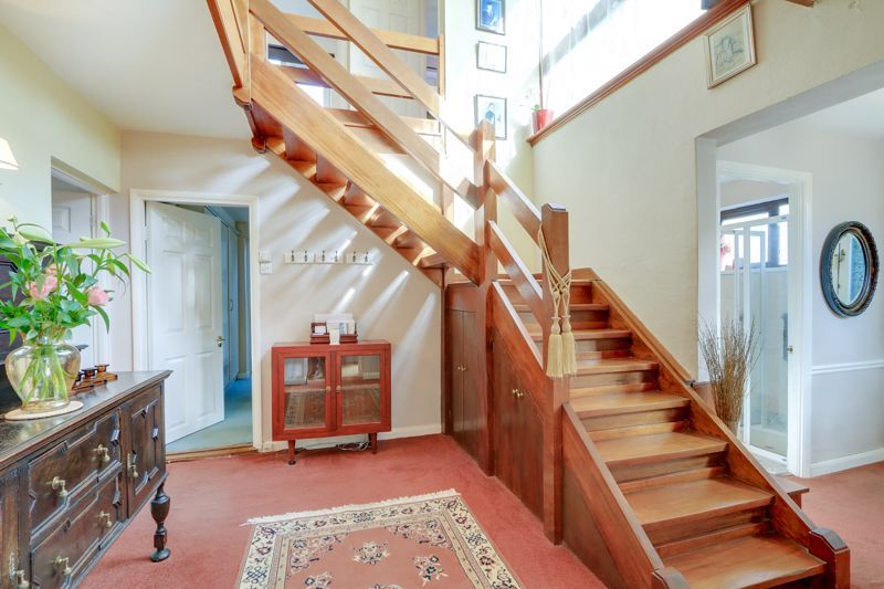 5 bed house for sale in Nork Gardens 23