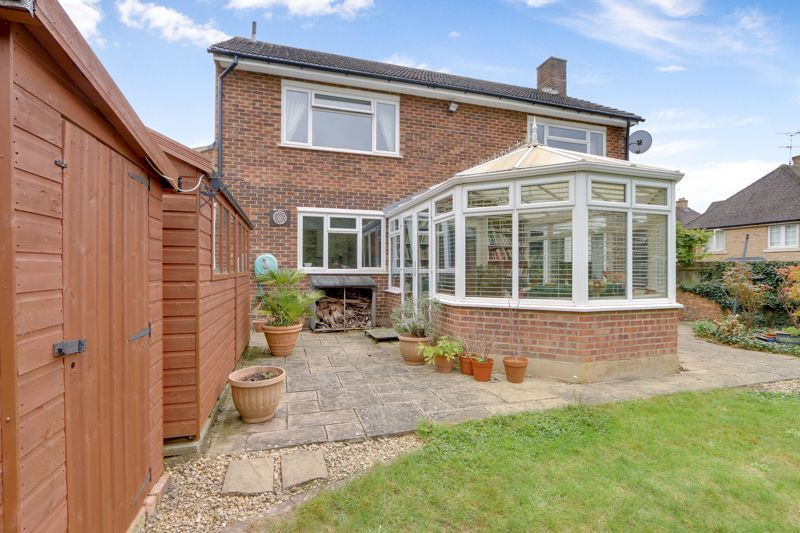 5 bed house for sale in Nork Gardens 28