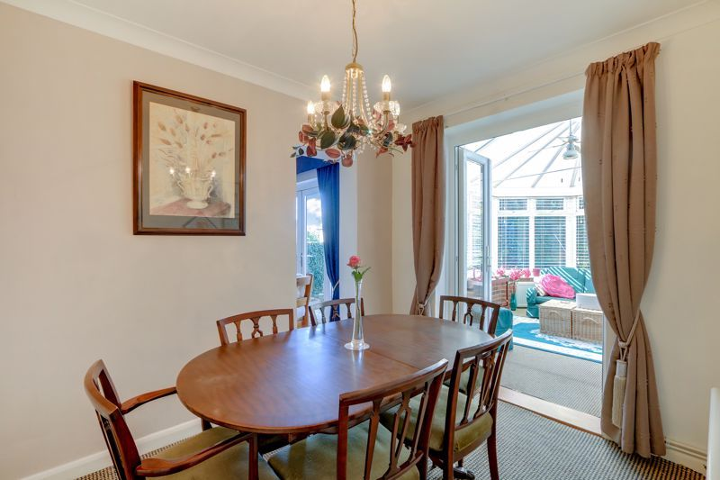 5 bed house for sale in Nork Gardens 4