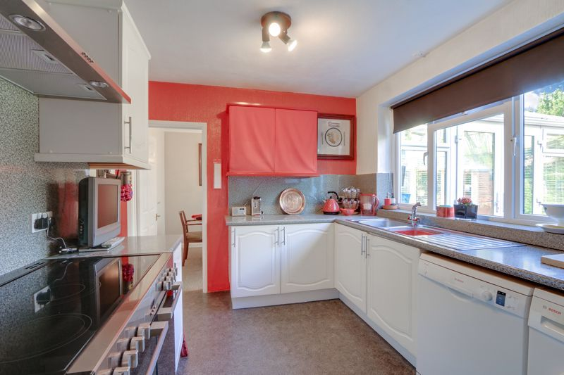 5 bed house for sale in Nork Gardens 7