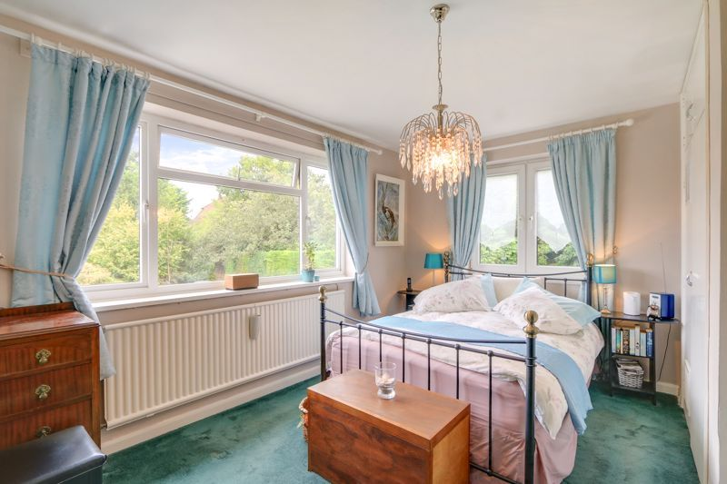 5 bed house for sale in Nork Gardens 8