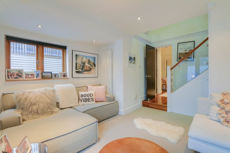 2 bed flat for sale in Hubert Grove - Property Image 1