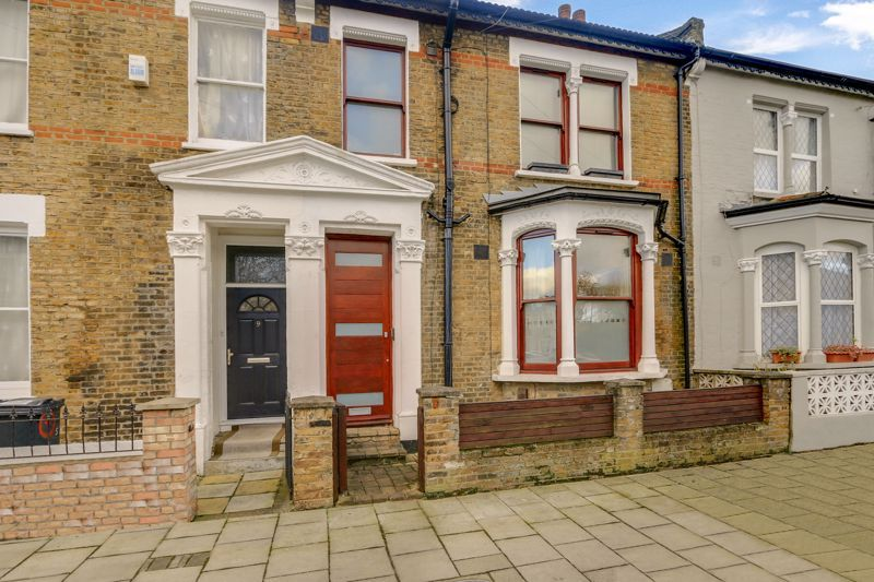 2 bed flat for sale in Hubert Grove 2