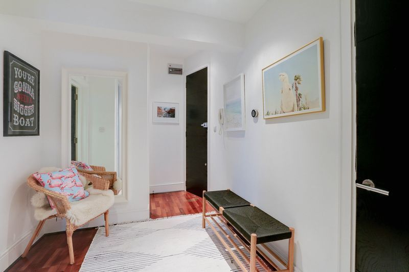 2 bed flat for sale in Hubert Grove  - Property Image 12