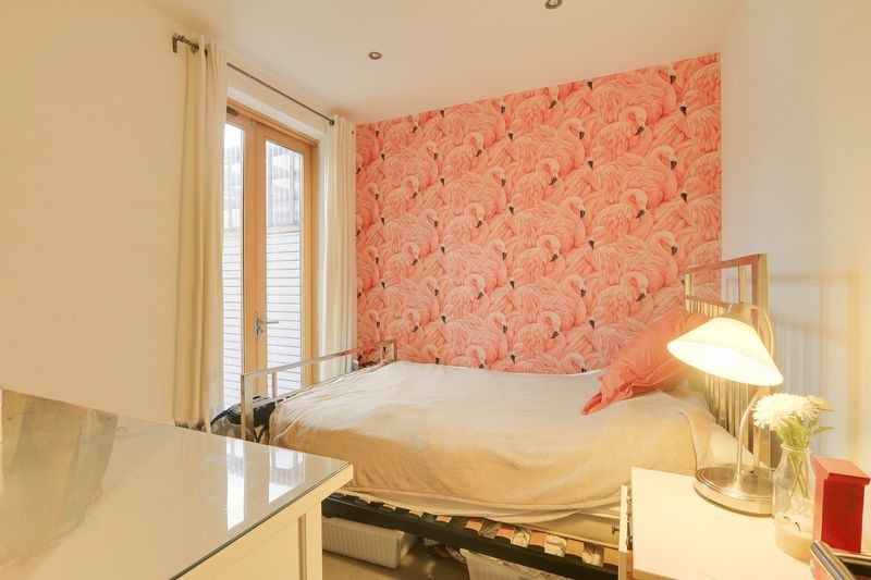 2 bed flat for sale in Hubert Grove  - Property Image 10