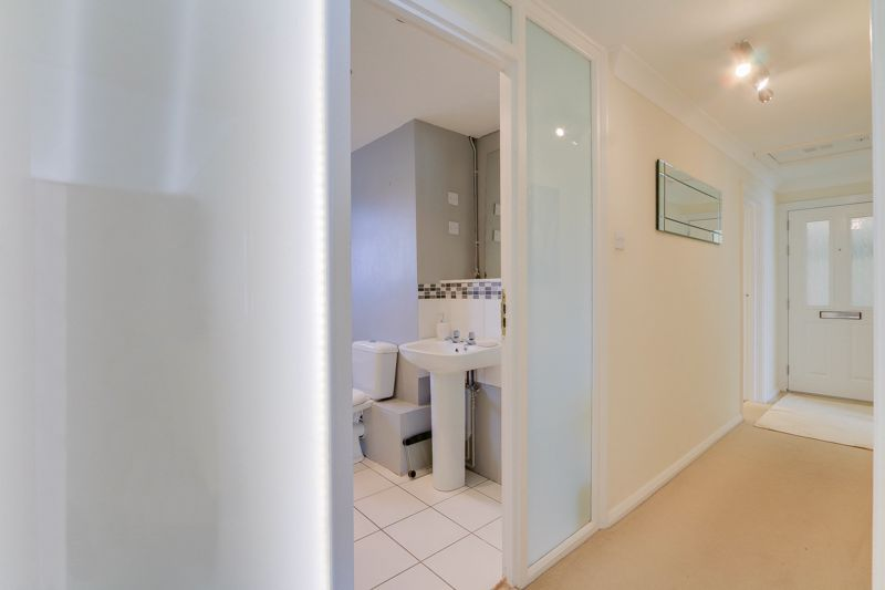2 bed flat to rent in Eastgate  - Property Image 11