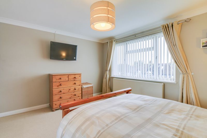 2 bed flat to rent in Eastgate 7
