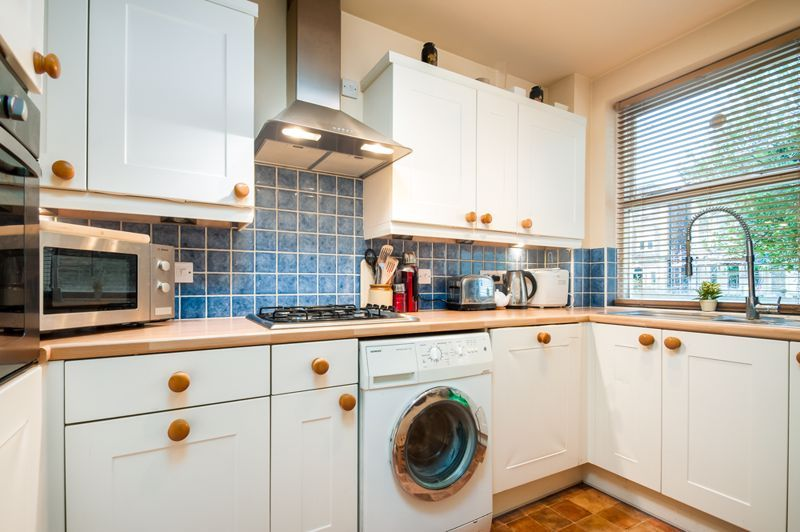 1 bed flat for sale in All Saints Road 5