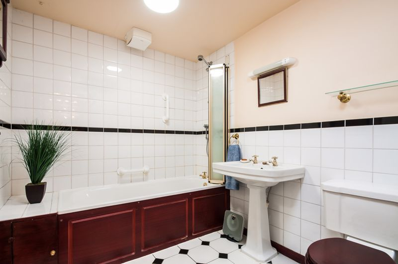 1 bed flat for sale in All Saints Road 8