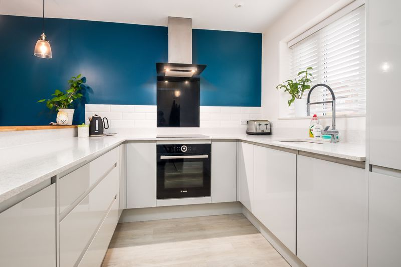 3 bed house for sale in Wildcroft Road  - Property Image 5