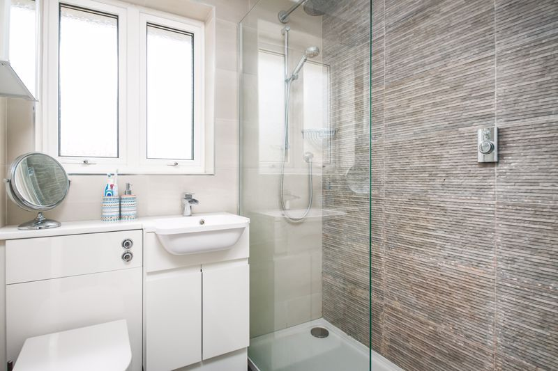 3 bed house for sale in Wildcroft Road  - Property Image 7