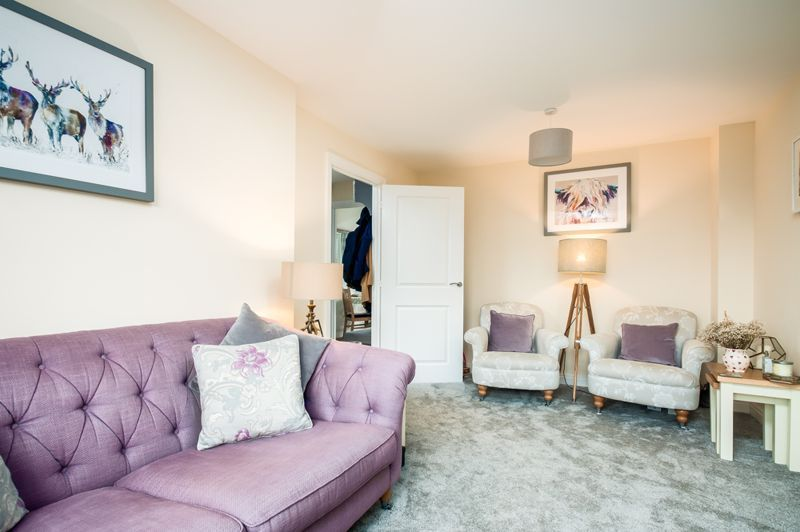 3 bed house for sale in Thornfield Road  - Property Image 1