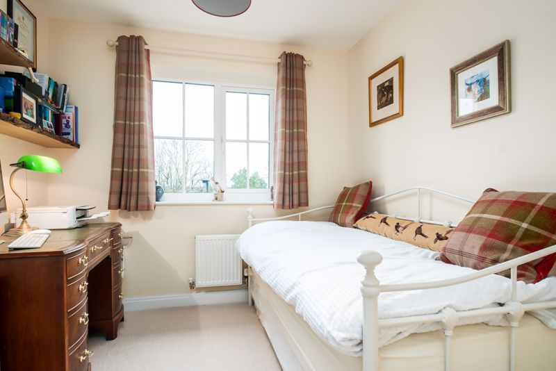 3 bed house for sale in Thornfield Road  - Property Image 10