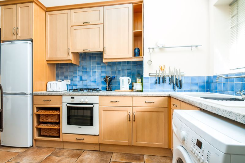 2 bed flat to rent in Cambridge Park 11