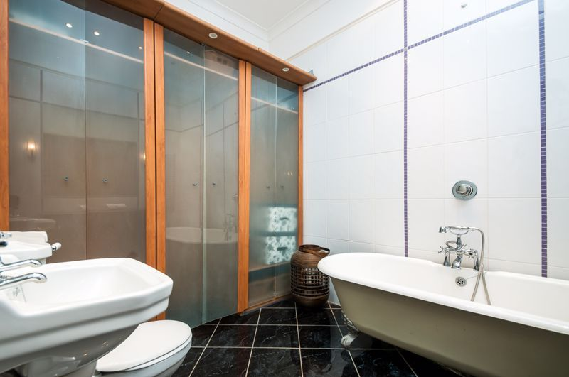 2 bed flat to rent in Cambridge Park  - Property Image 3