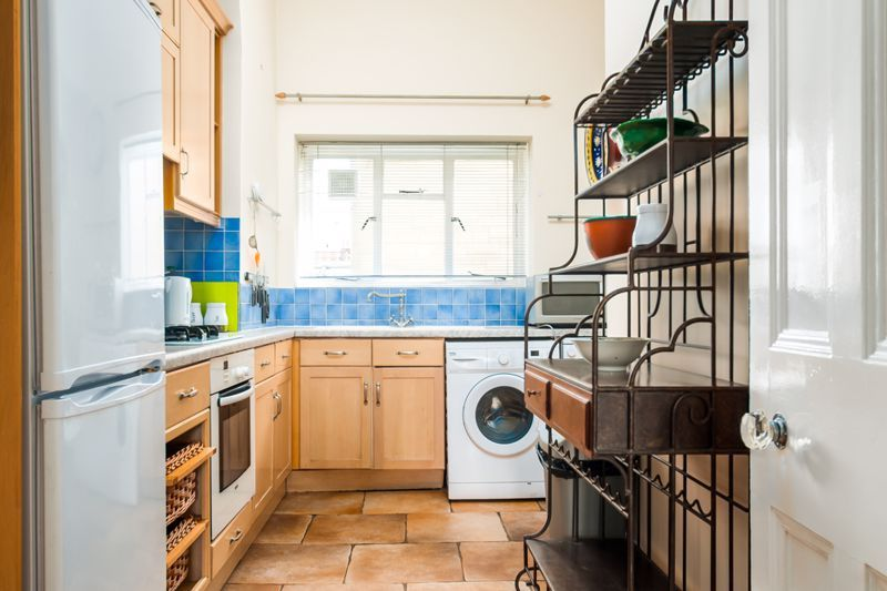 2 bed flat to rent in Cambridge Park  - Property Image 5